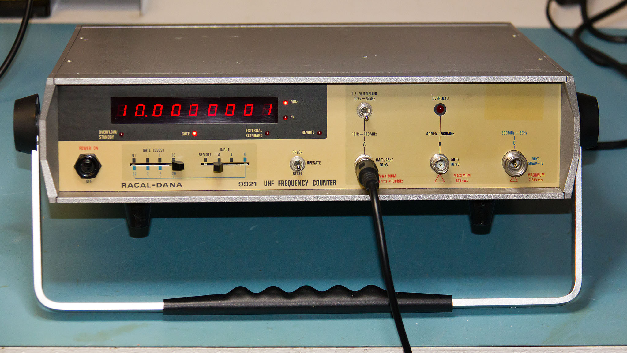 Frequency Counter Theory : Racal dana ghz microwave frequency counter