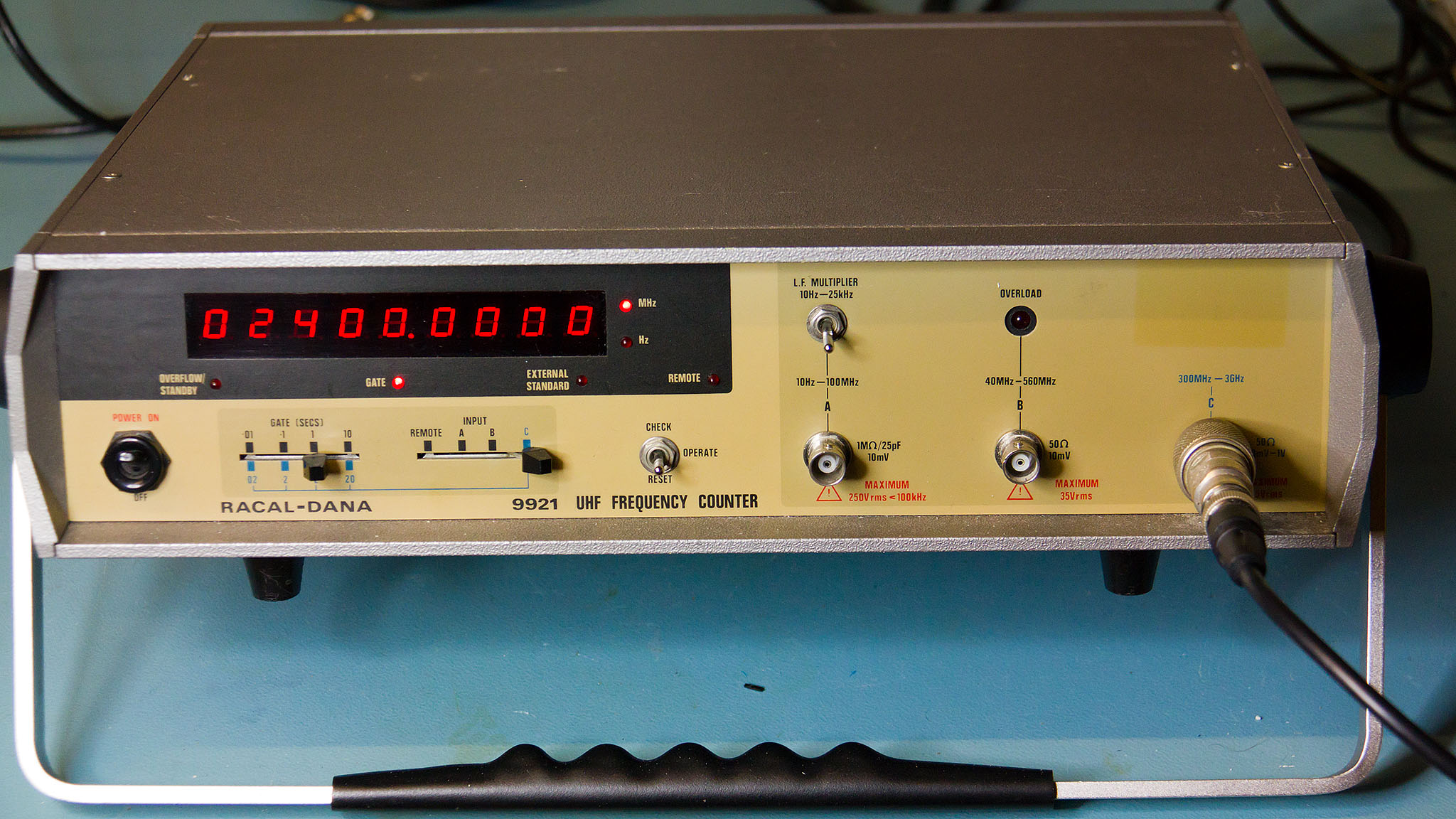 2 Input Counter : Racal dana ghz microwave frequency counter
